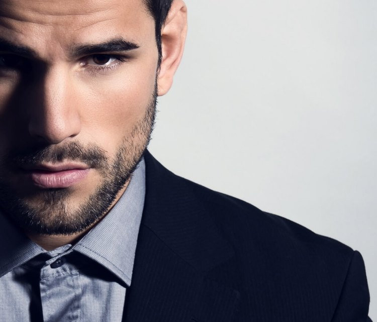Anti aging creams and face moisturizers are never too late to be incorporated in your grooming routine