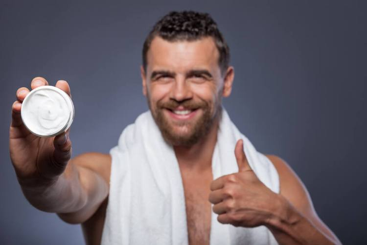 What is body lotion and how a man should apply it