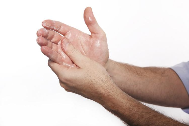 What is hand cream and how a man should apply it