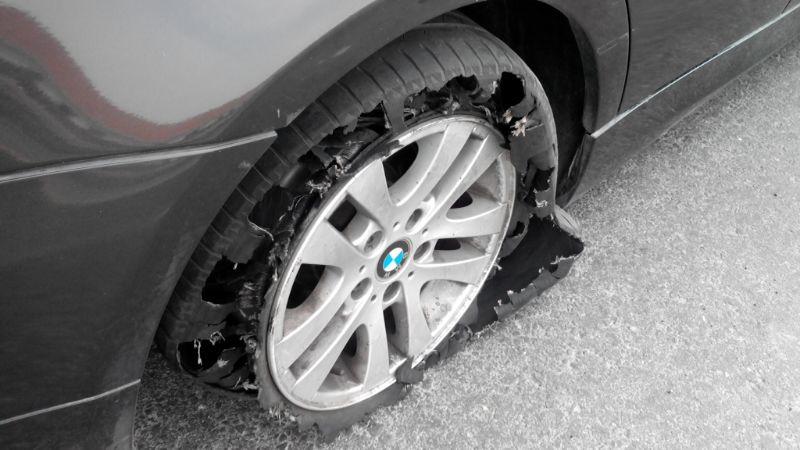 bursted tyre manl.ng
