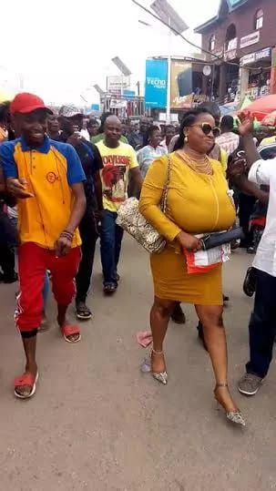 nigerian lady with big breasts (3)