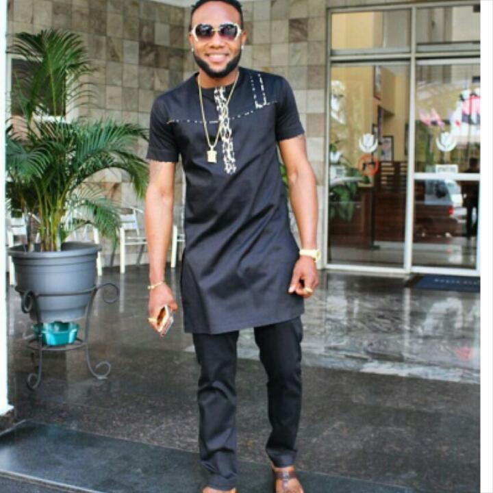 popular Nigerian musician in senator native wear outfit