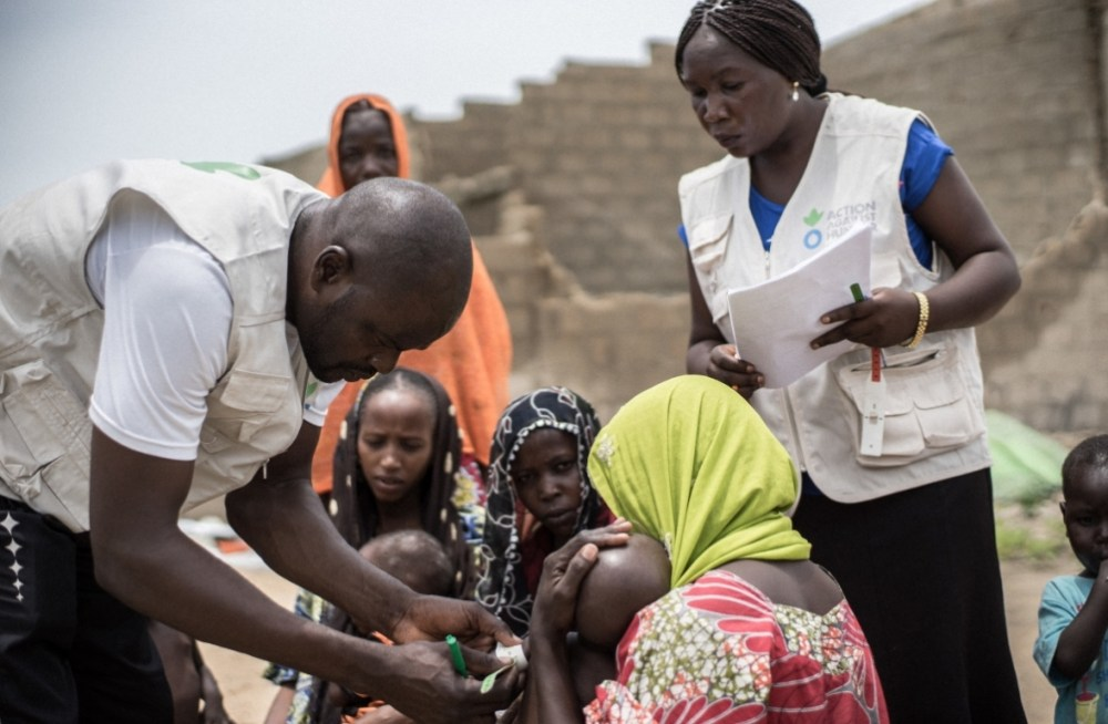 ngo in nigeria at work with children