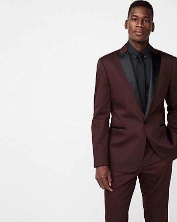 tuxedo for grooms on wedding day