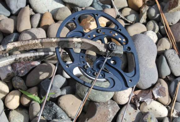 This photo shows the cams on the Cabela's Insurgent HC RTH Compound Bow.