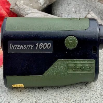 This photo shows the side view of the Cabela's Intensity 1600 Laser Rangefinder.
