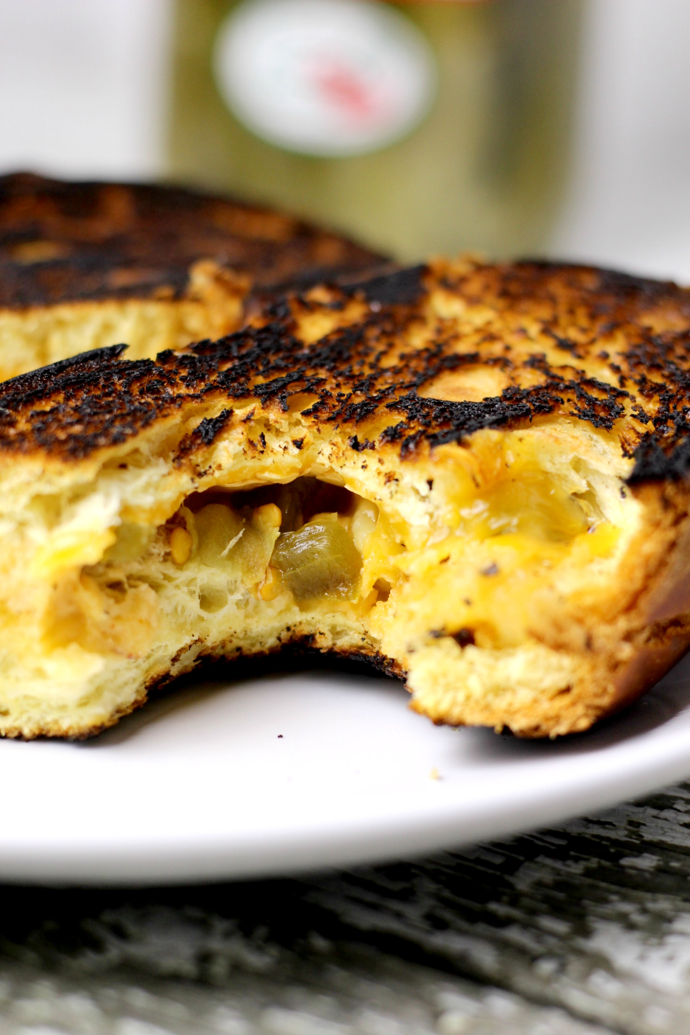 grilled macaroni and cheese sandwich www.mannaandspice.com