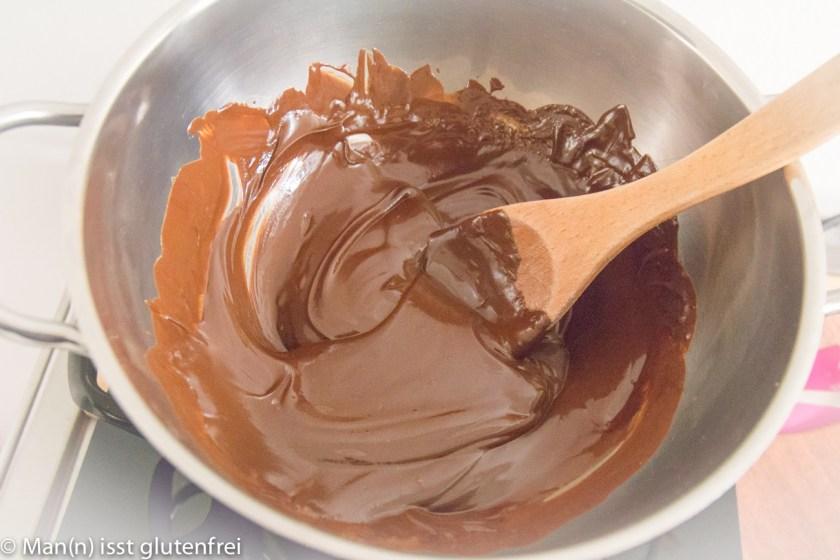 Schokoladenplätzchen Zubereitung-Wasserbad geschmolzen