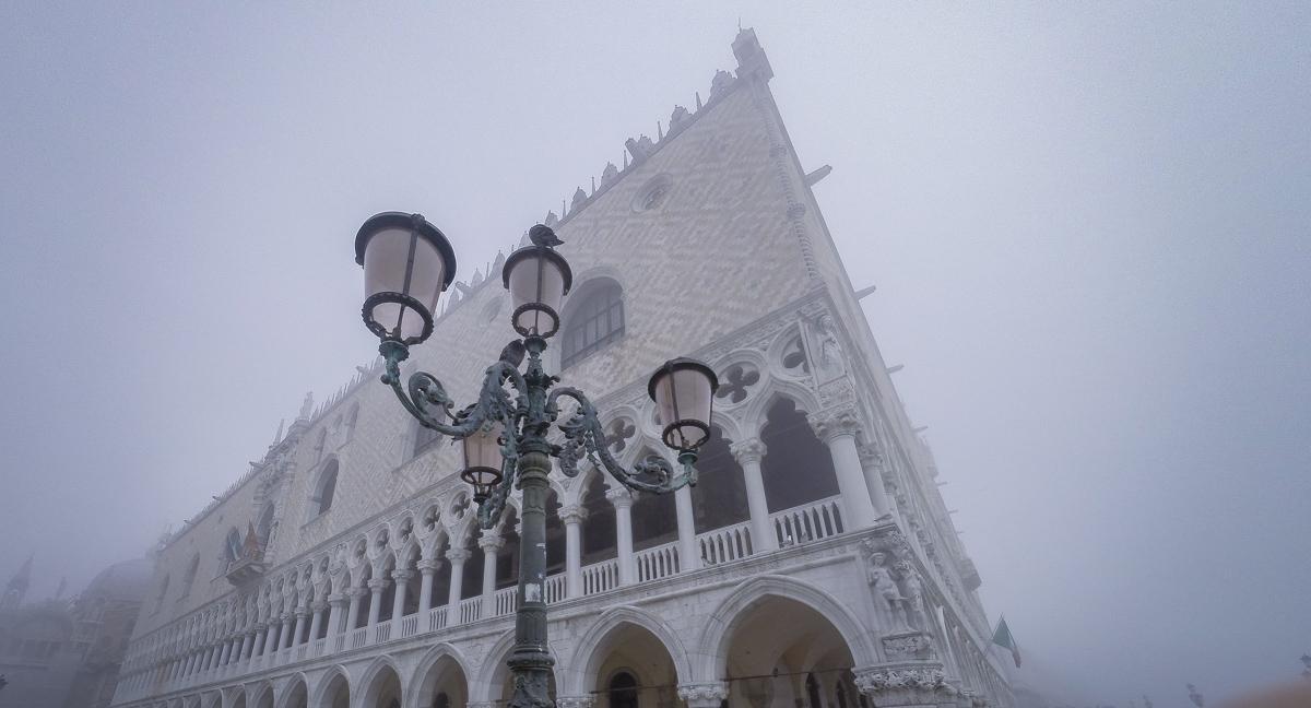 "<b style=""color: darkslategray"">Sondertour:</b><br><b>Venedig</b> 12"