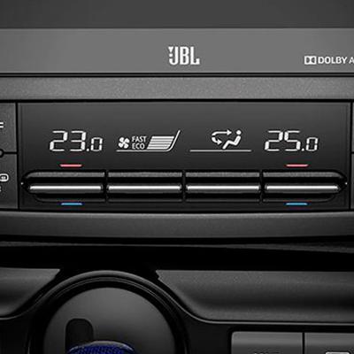 Climatizador Dual   Elige diferentes temperaturas con el sistema de climatizador dual, que incluye ventilación para la fila posterior.