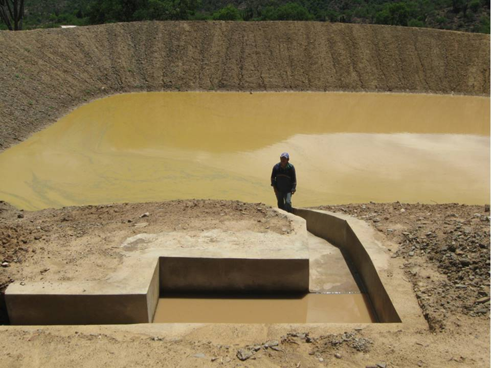 One of Mano a Mano's water ponds built in the Omereque area in 2010.