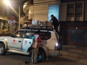 Red Cross Potosi drove to Santa Cruz and back, including a stop at Mano a Mano in Cochabamba, to pick up supplies. That is 24+ hours of nonstop driving time.