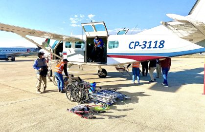 Transporting medical supplies and equipment for the community of Baures in April 2021.
