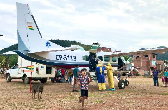 Arriving in Mapiri to transport a patient on the Mano a Mano plane, May 2021.