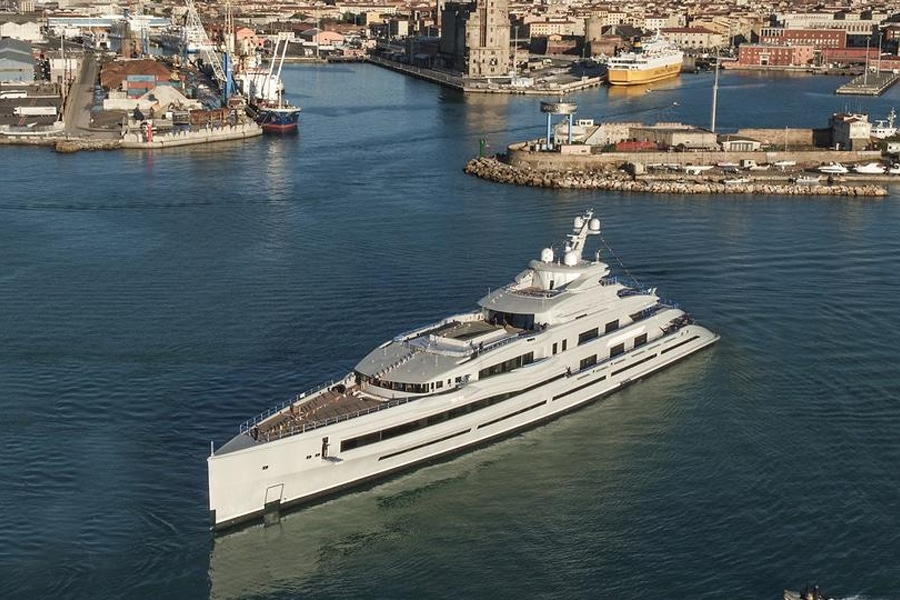 """First Look At James Packer's New Gigayacht, """"IJE""""   Man of ..."""