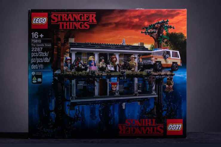 stranger things lego box