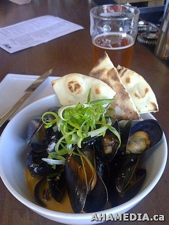 mussels and phillips ginger beer at the Union Bar