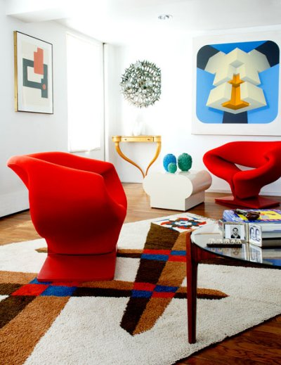 https://i1.wp.com/manolohome.com/wordpress/wp-content/uploads/2010/03/red-chairs-living-room-colorful.jpg