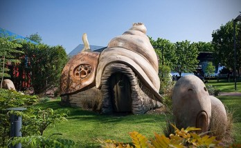 5 Quirky Theme Parks in France