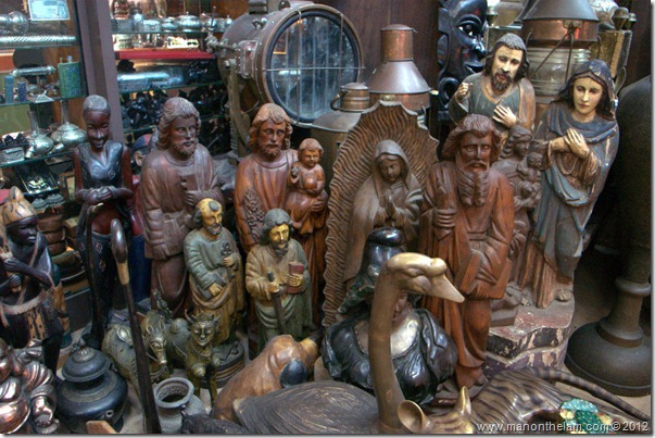 statues for sale at Souk Madinat Jumeirah