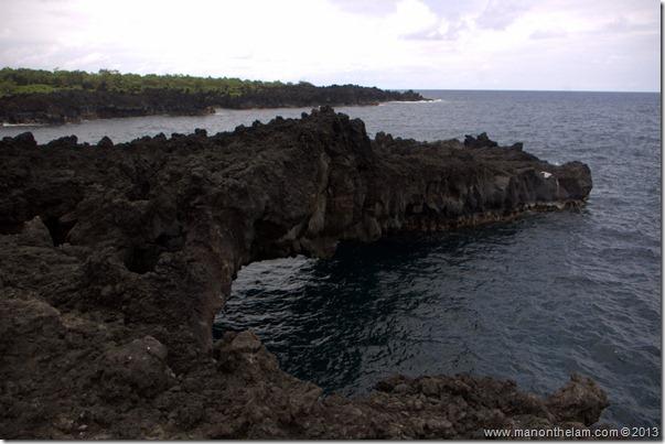 Black sand beach at Waianapanapa State Wayside Park, Maui, Hawaii-096