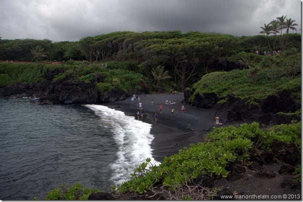 Black sand beach at Waianapanapa State Wayside Park, Maui, Hawaii-122