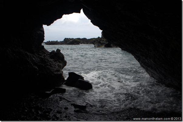 Black sand beach at Waianapanapa State Wayside Park, Maui, Hawaii-139