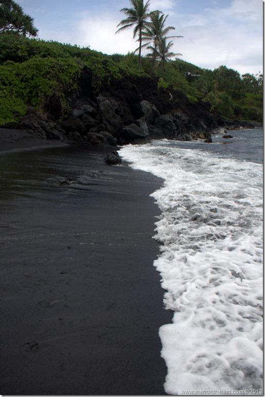 Waianapanapa State Wayside Park Black sand beach, Maui