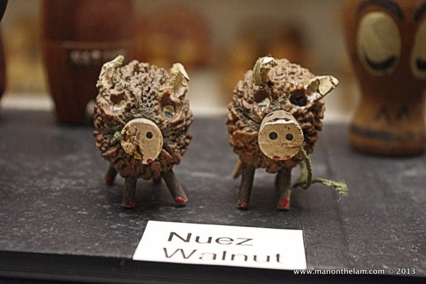 Walnut wild boars Museum of Salt and Pepper Shakers Guadalest Spain