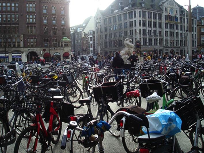 Como os holandeses lutaram por um país de bicicletas Leia mais em Como os holandeses lutaram por um país de bicicletas Ducs Amsterdam Top 100 Travel Blog Posts of 2014 by Social Shares