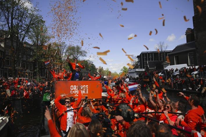 KLM Orange Madness DJ Hardwell and winners2