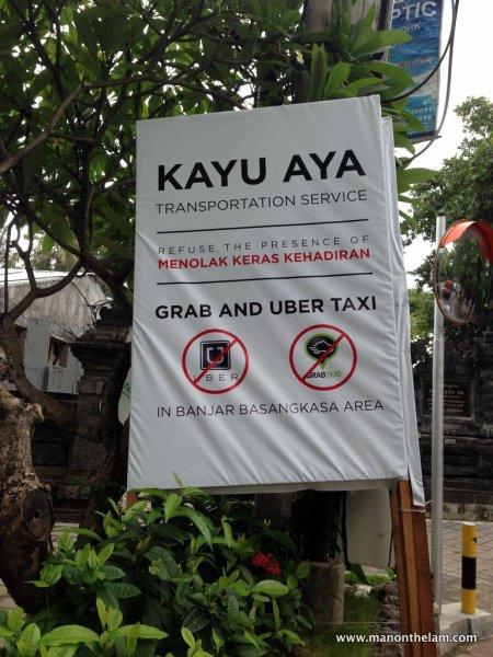 No Uber No GrabTaxi sign in Bali