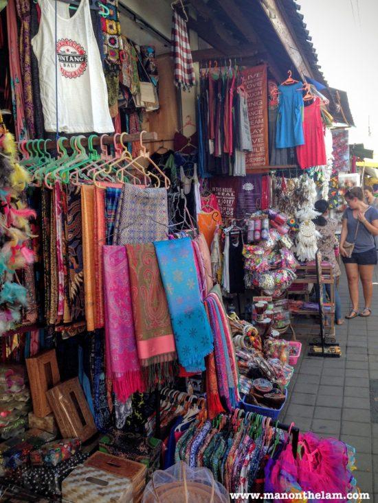 street-market-in-ubud-bali