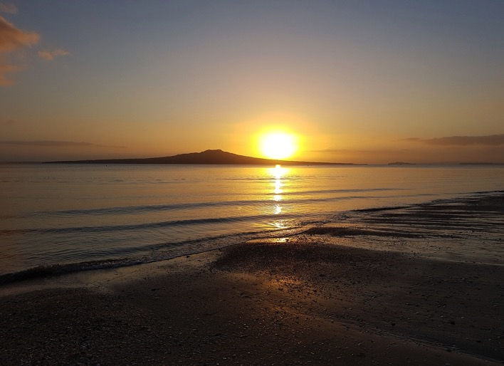 Sunrise 1776997 1280 new zealand Takapuna Beach