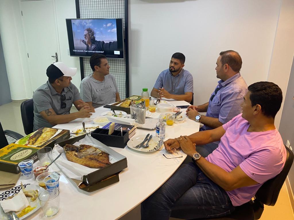 Políticos do interior se reúnem para discutir desenvolvimento dos municípios da Calha do Juruá