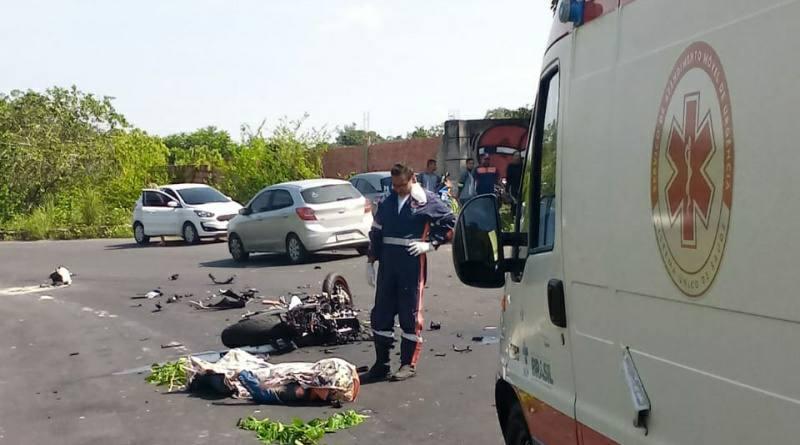 Dois motociclistas morrem ao colidirem de frente com caminhão na AM-010