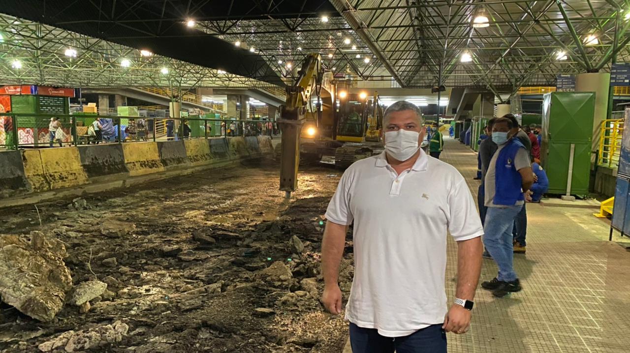 Vereador Elan Alencar diz que Manaus gastou milhões com obras inacabadas