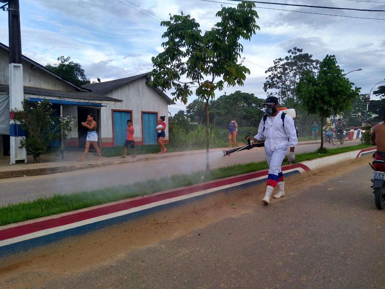 Prefeitura de Eirunepé inicia processo de desinfecção no hospital e em espaços públicos para conter o avanço da Covid-19 no município