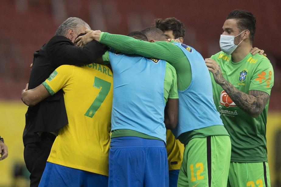 Atletas da Seleção Brasileira preparam manifesto contra Copa América