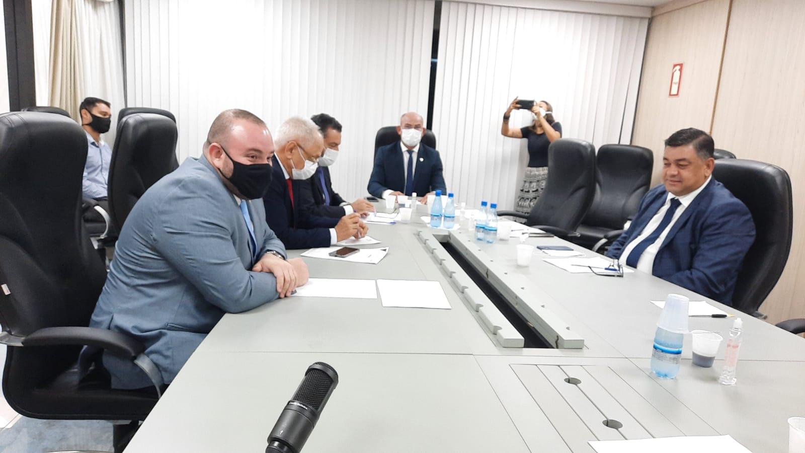 'MPE nunca fez auditoria do Guardião na atual gestão do Governo do Amazonas', disse Louismar Bonates em reunião solicitada por Dermilson Chagas