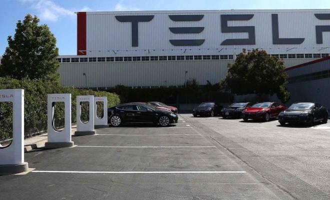 Tesla Cuts 3,000 Jobs as Musk Sees 'Difficult' Road Ahead