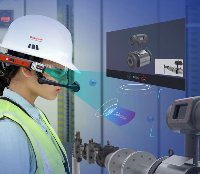How Hands-Free Wearables Help Industrial Workers