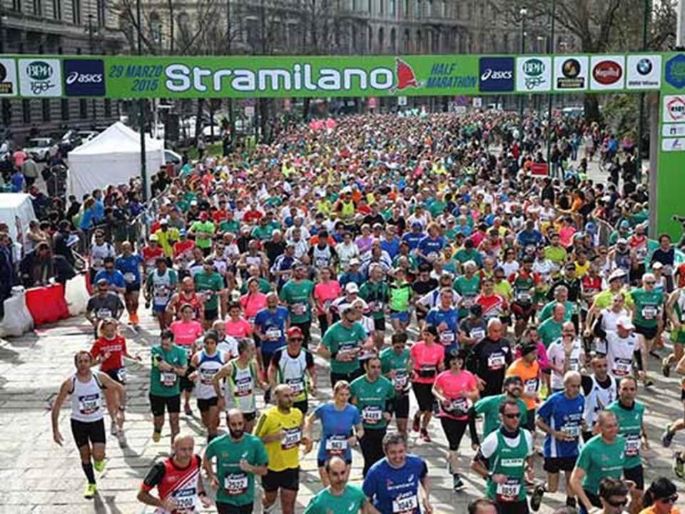 Stramilano! 47  edizione della corsa che muove Milano  f84bbaf72e9f