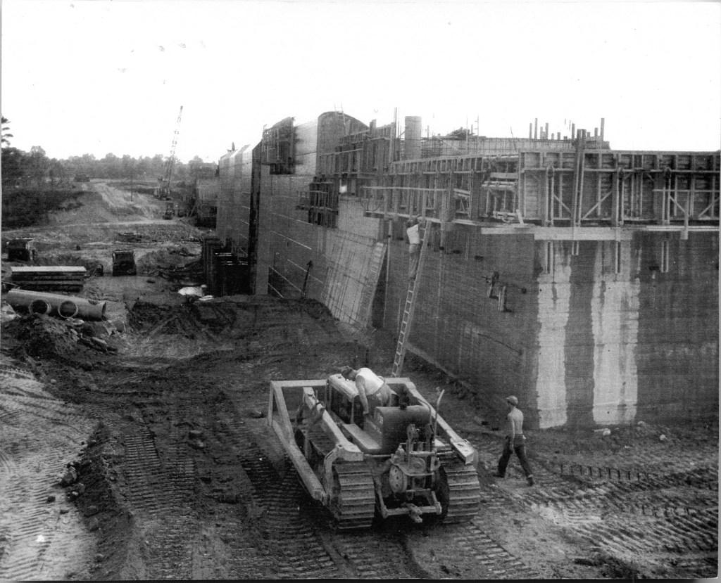 Mansfield Hollow Dam