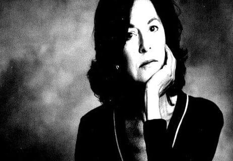 الكاتبة والشاعرة الأمريكية لويز جلوك