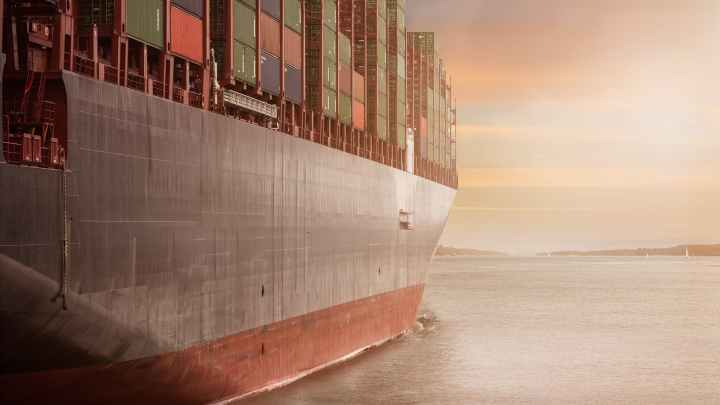 صعوبة عبور قناة السويس, جرب قيادة السفينة الآن