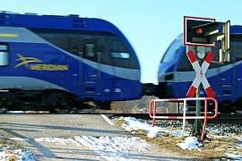 train-254399__180