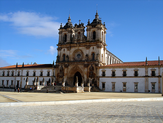 Igreja e mosteiro em Alcobaça, Portugal