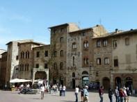Casario medieval em San Gimignano, Toscana
