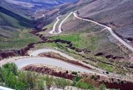 Estrada entre Pumamarca e a fronteira chilena